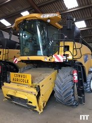 Combine harvester New Holland CR 9060 - 2
