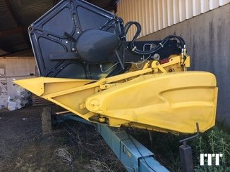 Combine harvester New Holland CR 9060 - 11