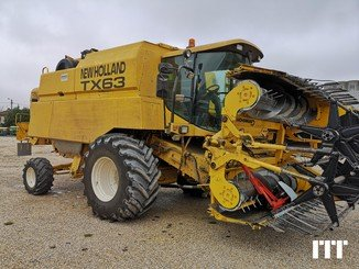 Combine harvester New Holland TX 63 RC - 1
