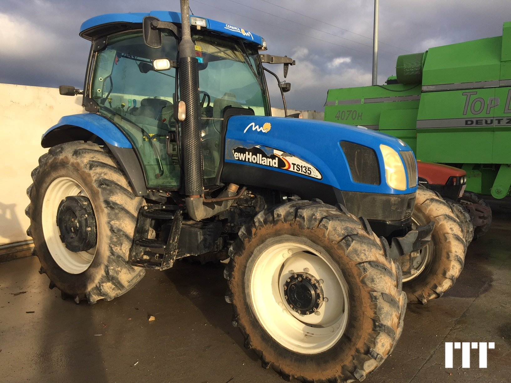 Farm tractors New Holland TSA 135 - 1