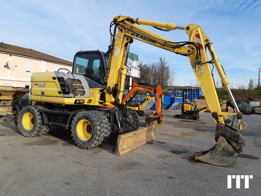 Wheeled excavator New Holland MH3.6