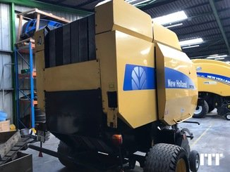 Round baler New Holland BR750 - 3