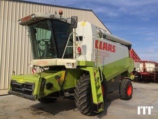 Combine harvester Claas LEXION 440 - 1