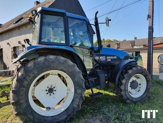 Farm tractors New Holland 8260 - 1